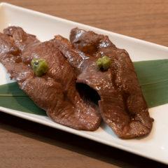 熟成肉の炙り寿司(2貫)